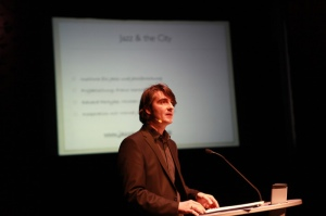 Michael Kahr @ Lange Nacht der Forschung 2012 (Foto kug.ac.at)